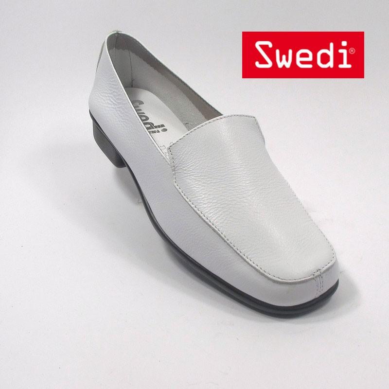 chaussure de service plate femme