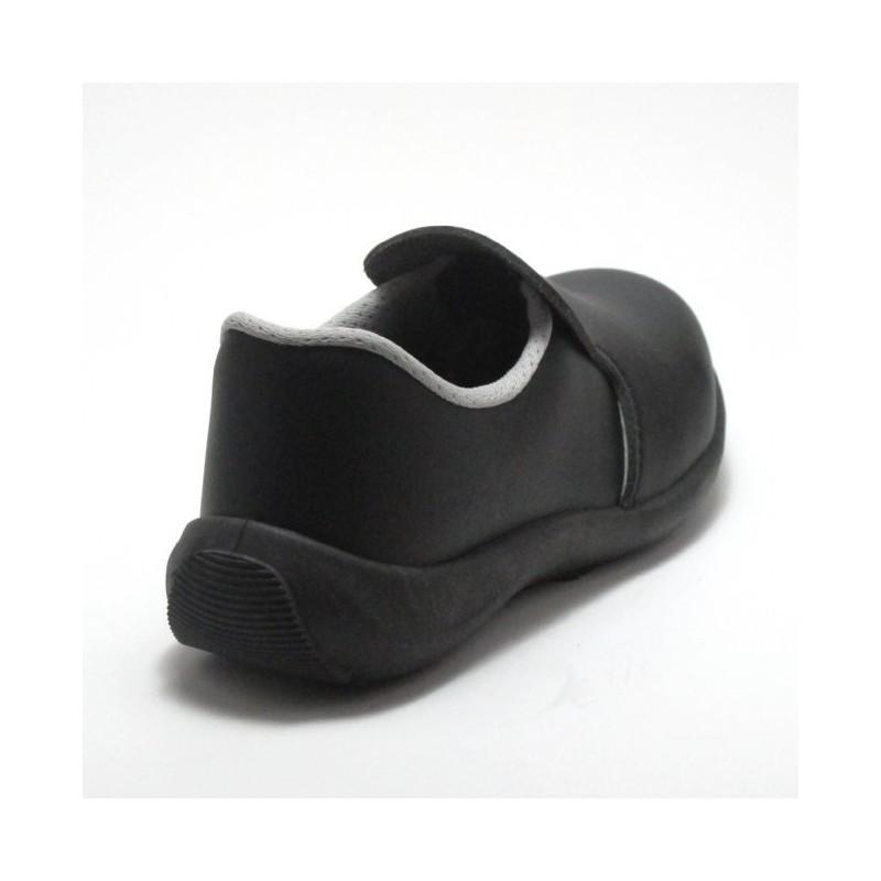 chaussure de cuisine noir pour femme lisashoes. Black Bedroom Furniture Sets. Home Design Ideas