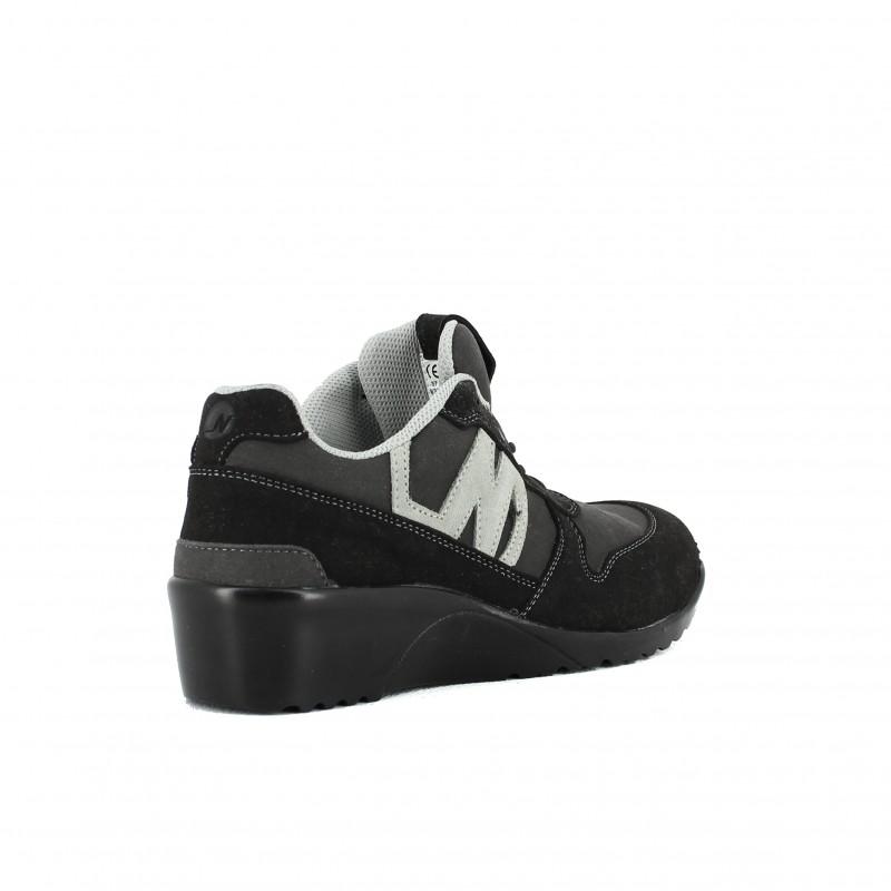 chaussure de s curit ultra l g re et souple pour femmes. Black Bedroom Furniture Sets. Home Design Ideas